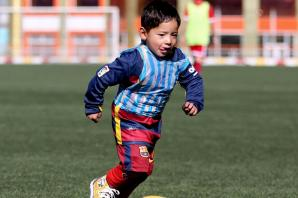 Afghan child spotted wearing homemade Messi shirt could meet hero