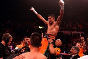 UPDATED: Amir Khan to fight Saul Alvarez in shock return to ring